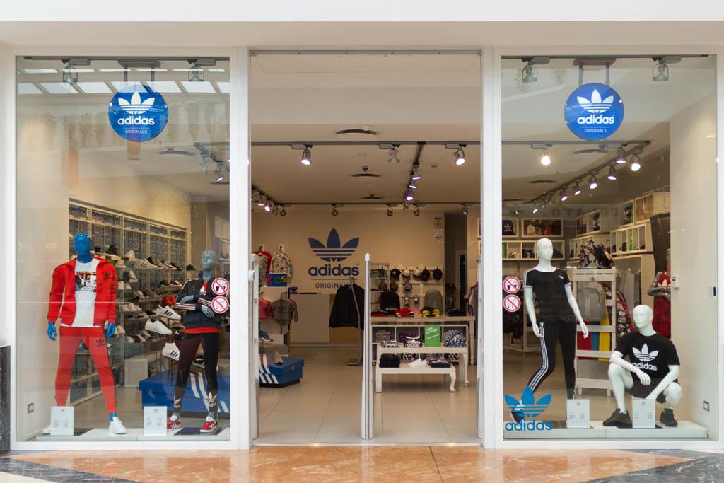Adidas - Centro Commerciale Porto Bolaro